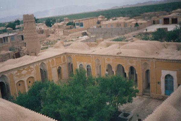 آشنایی با قلعه و چهار برج شاهرخ خان - کرمان